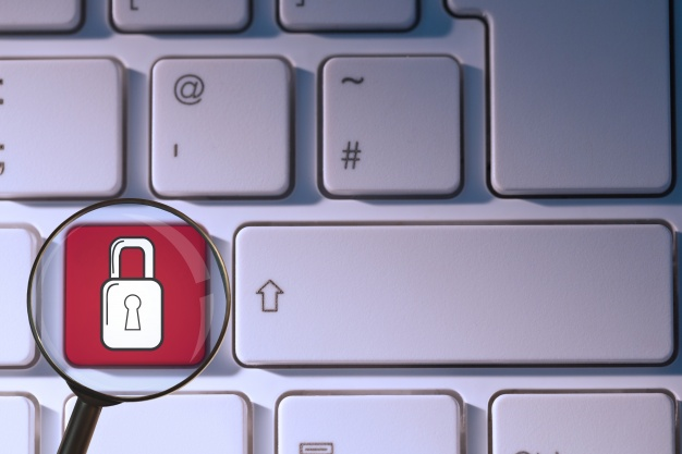 keyboard-with-a-letter-padlocked_1134-118